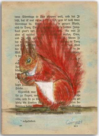 Eichhörnchen auf alter Buchseite