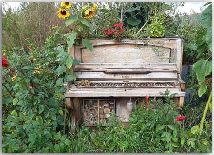Postcard Lost piano